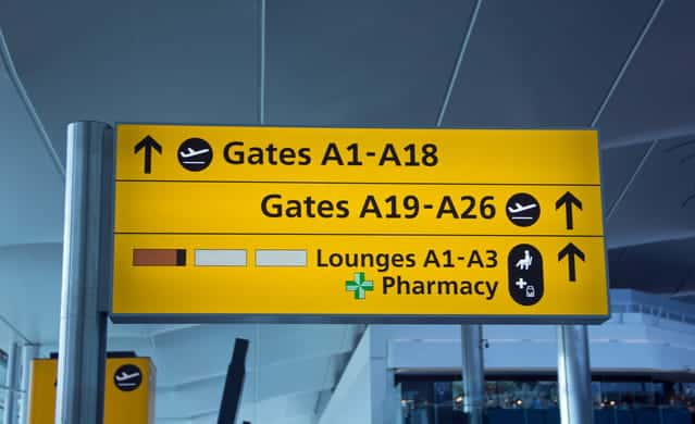Airport Gate Sign Tips for Flying with Kids
